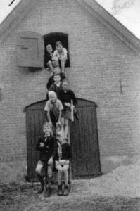 037 1943 mochten kampeerders s nachts niet buiten slapen