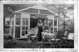 048 tenthuisje 1954